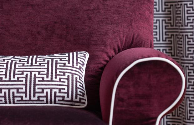 BROCHIER Tessuti per arredamento La casa si tinge di rosso: rosso bordeaux